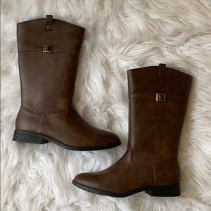 NWOT tan boots